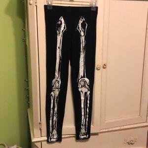 Hot topic teenage runway skeleton leggings medium